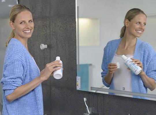 Meridol płyn do płukania jamy ustnej zwalcza zapalenie dziąseł ochrona